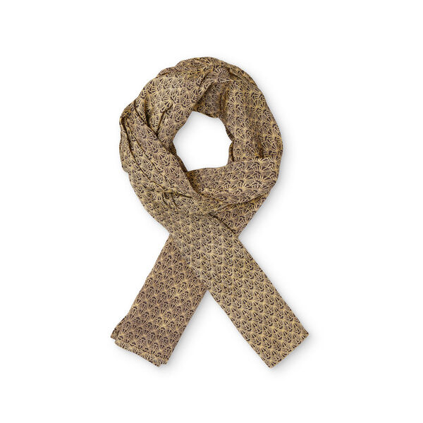 Along scarf, STRAW, hi-res